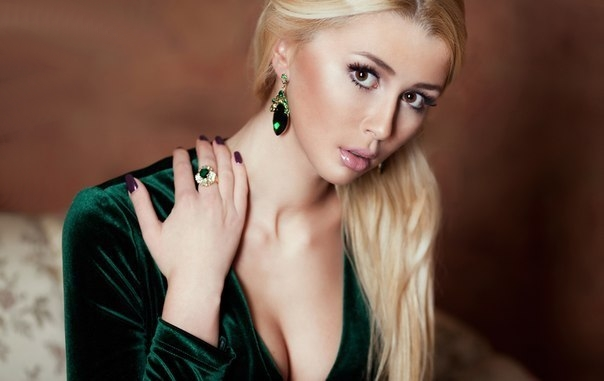 фото порно актрисы домино
