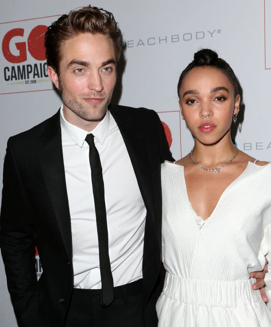 Robert pattinson explains how his iconic photo with beyoncé and.
