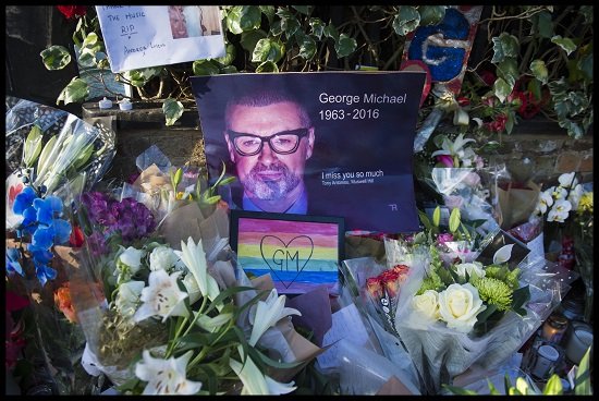 Встолице Англии похоронили Джорджа Майкла