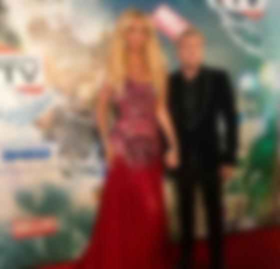 Николай Басков поведал освадебном одеяние Виктории Лопыревой