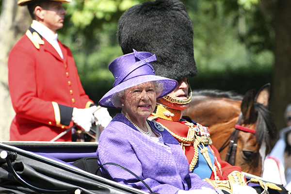 Катастрофа  вкоролевской семье: вДТП умер  близкий человек ЕлизаветыII