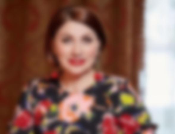 56-летняя Роза Сябитова возвратит девственность ради своего юного возлюбленного