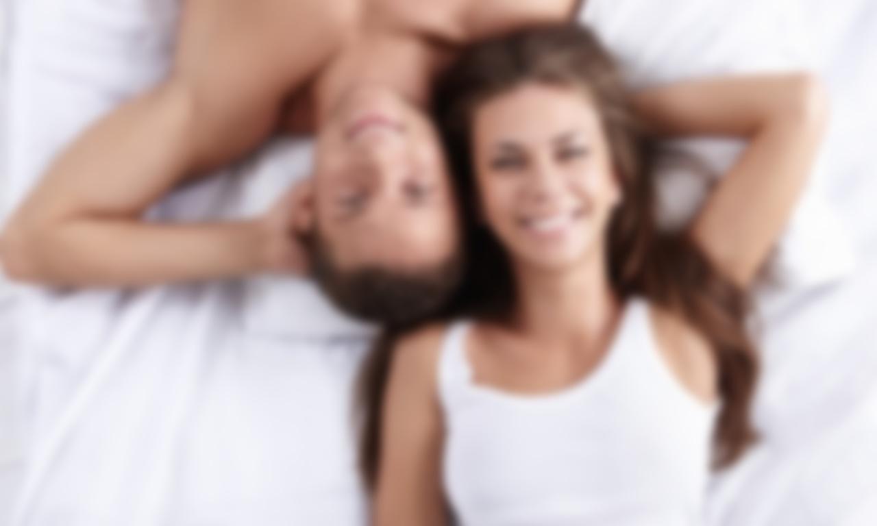 Старшие обучают молодых подруг сексу с мужчиной 3 фотография