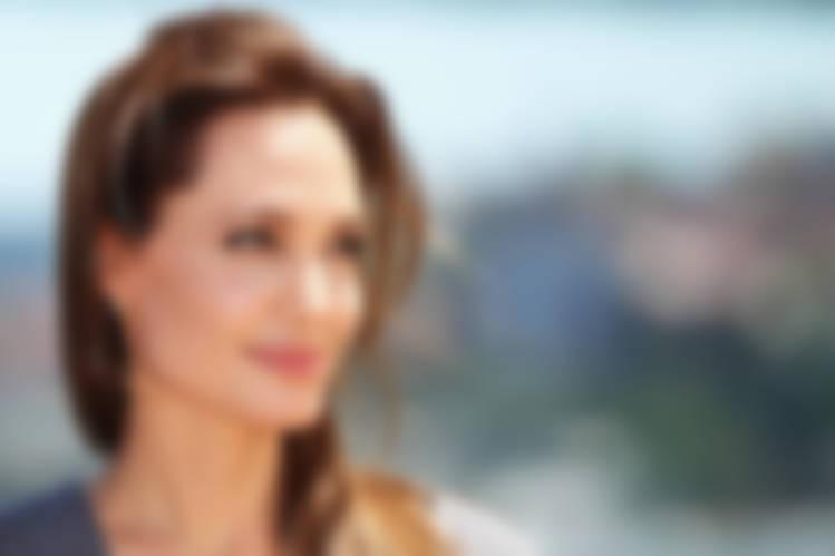 Анджелина Джоли оказалась самой обсуждаемой знаменитостью в русских СМИ