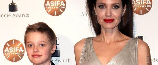 Новости. Питт и Джоли разрешают дочери одеваться как мальчик