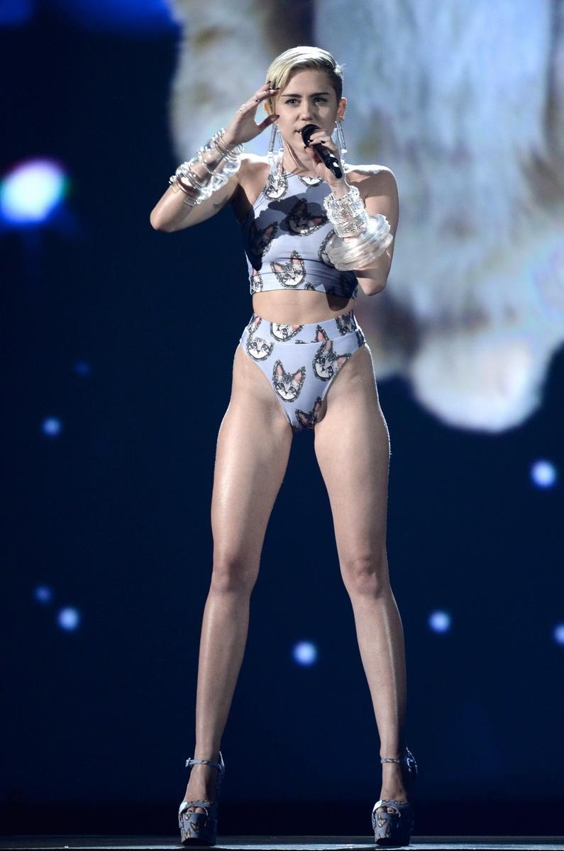 Майли Сайрус Miley Cyrus  биография фото личная жизнь