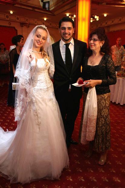 Александр бердников женился