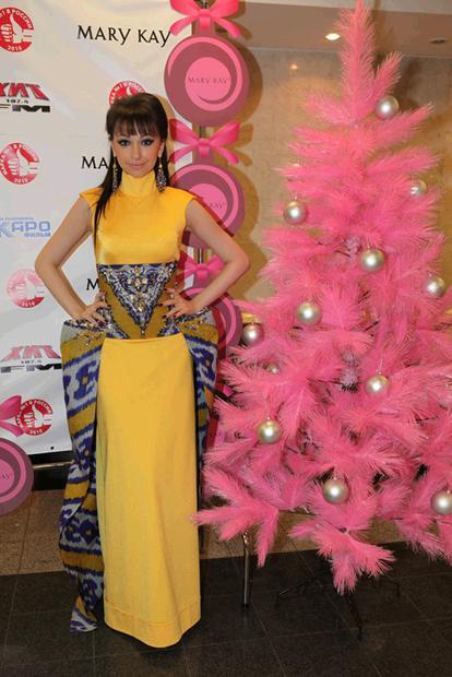 Согдиана в платье