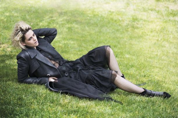 Кристен Стюарт призналась в симпатии к собственной приятельнице настраницах Elle