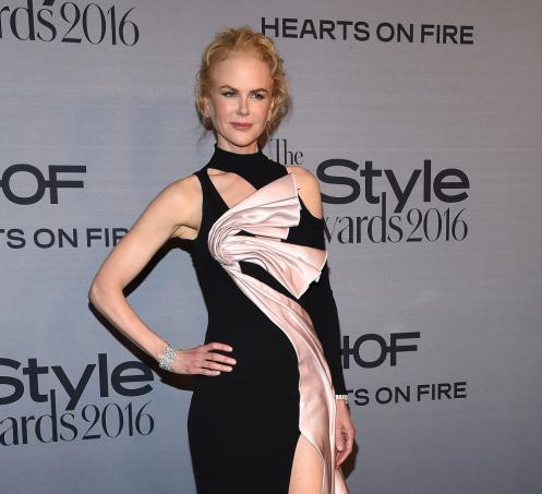 InStyle Awards-2016: Николь Кидман иДита фон Тиз изумили нарядами