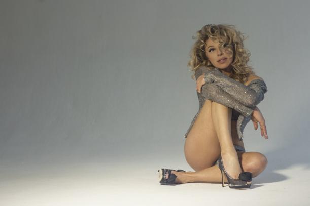 Алена Апина пообещала выпустить еще больше эротических видео