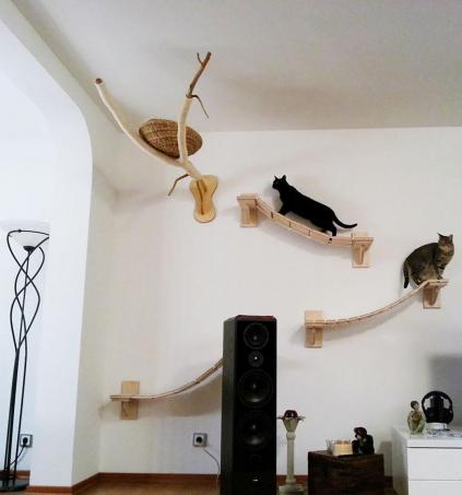 Лежанки для кошек на батарею